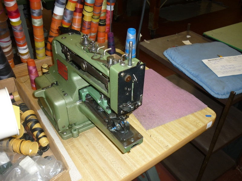 button sewing machine D-9933 - Item # 17044 - United Textile Machinery Corp.