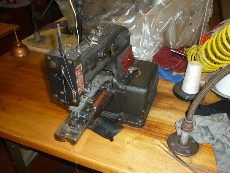 button sewing machine D-9936 - Item # 17047 - United Textile Machinery Corp.