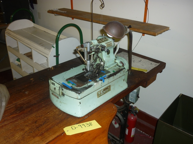buttonhole sewing machine D-9938 - Item # 17049 - United Textile Machinery Corp.